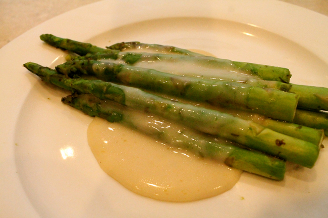 asparagus with sauce mornay