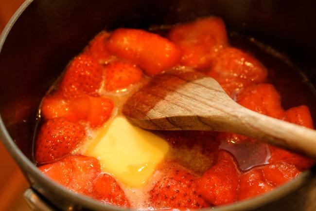 Paleo/Primal Strawberry Compote (Gluten Free)